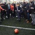 Emmanuel Macron executând penaltyul, foto: reuters