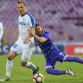 Cioinac și Bărbuț s-au duelat fără menajamente într-un meci ce poate fi capital pentru ambele echipe // Foto: Sportpictures.eu