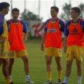 Alin Stoica (în dreapta), alături de Mirel Rădoi, Adi Mutu și Daniel Pancu, la o acțiune a naționalei din 2003 // FOTO: Arhivă Gazeta Sporturilor