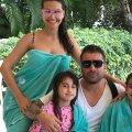 Mutu în Republica Dominicană săptămâna aceasta, alături de actuala soție, Sandra, și de fiicele sale din a doua căsătorie, Maya și Adriana