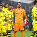 Imaginea deznădejdii în rândul jucătorilor Borussiei după înfrângerea de la Stuttgart // FOTO: Reuters
