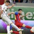 Anton și Enache, în timpul unui derby dintre Dinamo și FCSB // FOTO: Arhivă Gazeta Sporturilor