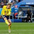 Englezii au speculat luna trecută că Arsenal Londra îl vânează pe Emil Forsberg (în galben) pentru 50 de milioane de euro Foto: Reuters