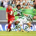 Gelson Martins în duel cu Denis Alibec