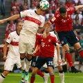 Pavard (stânga) ar putea repeta duelul cu Lewandowski și duminică, la München FOTO Guliver/GettyImages