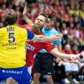 Nikolaj Oeris Nielsen (Danemarca) într-o acțiune la meciul cu Suedia