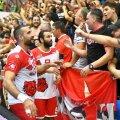 Dinamoviștii sărbătoresc fiecare succes alături de suporteri // FOTO Raed Krishan
