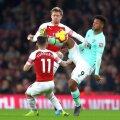 Monreal și Torreira de la Arsenal în duel cu Lys Mousset FOTO: Guliver/GettyImages