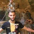 Turist în Peștera lui Hercule, în Maroc, cu câteva necuvântătoare