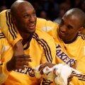 Lamar Odom (stânga) alături de Kobe Bryant, legenda celor de la LA Lakers