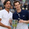 Andy Murray, în dreapta, alături de Feliciano Lopez // Foto: Reuters