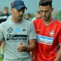 Bogdan Andone îi acordă o atenție sporită lui Oaidă, pe care trebuie să-l integreze în noua echipă // FOTO Răzvan Păsărică (Brașov)