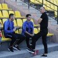 Bogdan Andone discută cu Moutinho și Salomao înaintea meciului cu Milsami Orhei