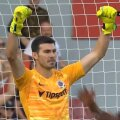 FOTO: Captură Youtube / / Florin Niță apără penalty pentru Sparta Praga