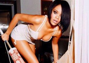 FOTO Are lipici la sportivi! Rihanna, poză romantică alături de un star al lui Juventus