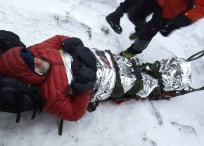 """Controverse extreme după moartea celor doi copii-alpiniști: """"Nu avalanșa, ci inconștiența părinților i-a ucis!"""" versus """"E absurd! Ce vrei să anchetezi penal aici?"""""""