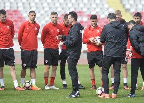 Contra îl vrea, Negoiţă, ba! Transferul care agită apele la Dinamo