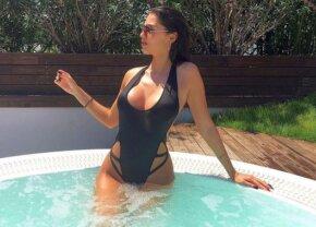 A furat mințile tuturor fotbaliștilor! Este una dintre cele mai sexy femei din România și adoră să se pozeze provocator