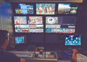 FCSB - Sporting // 16 camere și 4 comentatori » Transmisiune TV la cel mai înalt nivel, cu reluări din 4 unghiuri