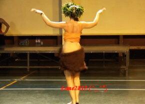 VIDEO Dansul acesta te va hipnotiza. Tânăra asta se mișcă senzațional!