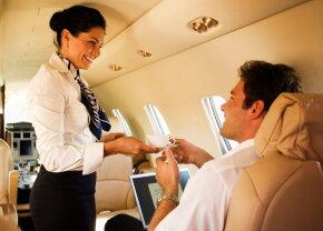 O însoțitoare de bord aruncă bomba: Nu beți cafeaua care se face în avion!