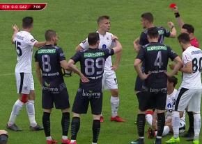 FOTO Cartonaș roșu în minutul 8 al primei semifinale din Cupa României