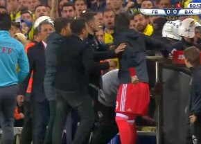 VIDEO + FOTO Bătaie groaznică între oficialii lui Fener și Beșiktaș » Imagini nemaivăzute pe un teren de fotbal