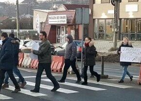 Au apărut primele veste galbene în România! Cazul fetei paralizate după ce a fost lovită pe trecerea de pietoni a scos ieșenii în stradă!