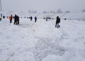 FOTO Primele probleme din cauza zăpezii » Un meci a fost anulat și echipa poate pierde la