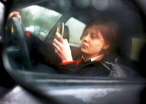 De ce e un pericol să vorbești la telefon la volan