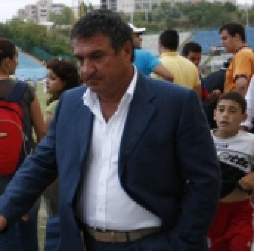Victor Becali, impresar