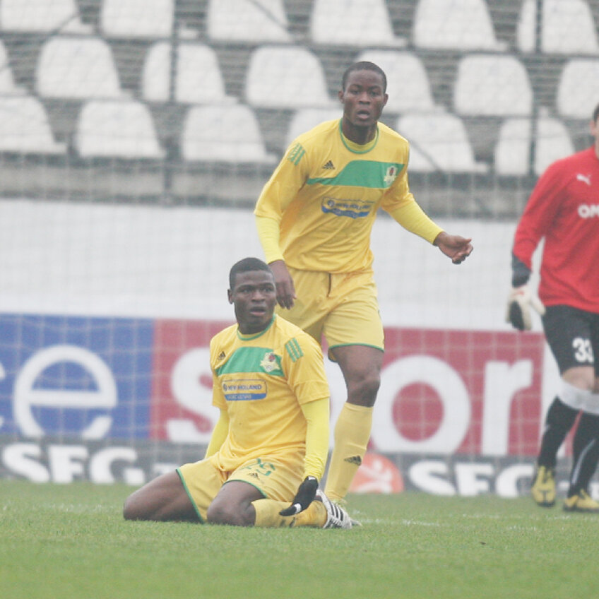 Yero Bello şi Christian Pouga au tremurat serios la antrenamentul Vasluiului