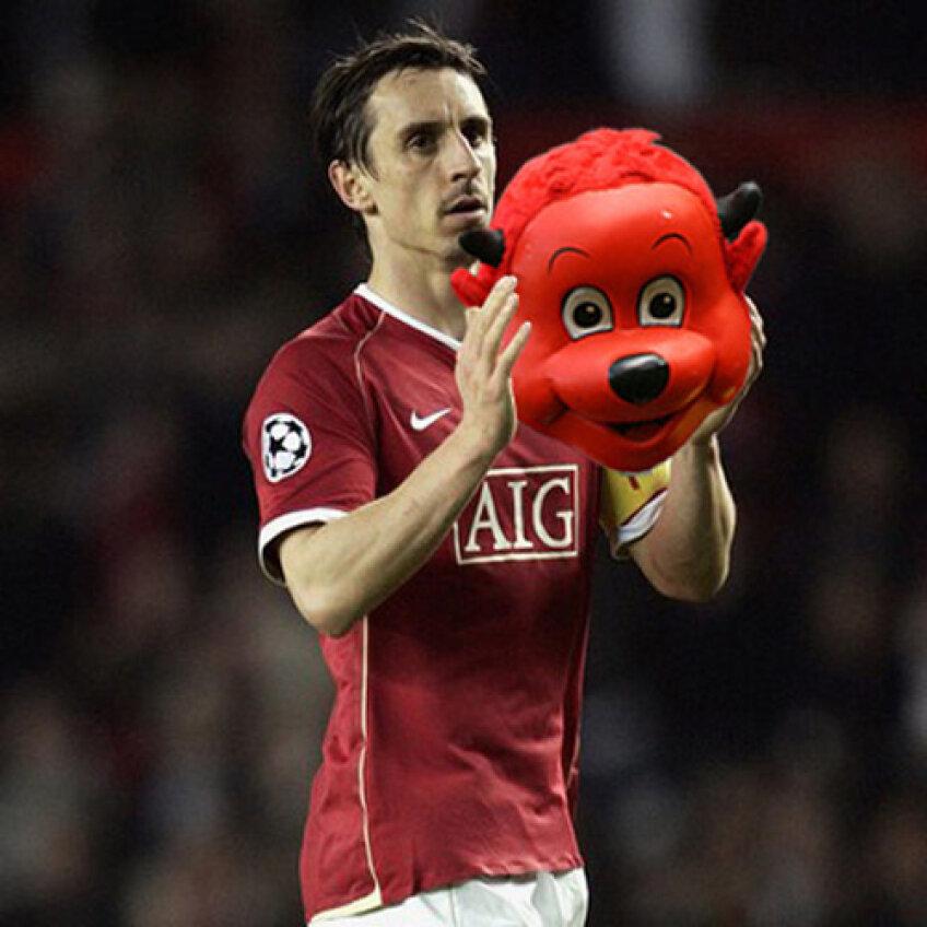 Pentru a nu sta departe de gazon, Neville ar putea prelua rolul de mascotă a clubului