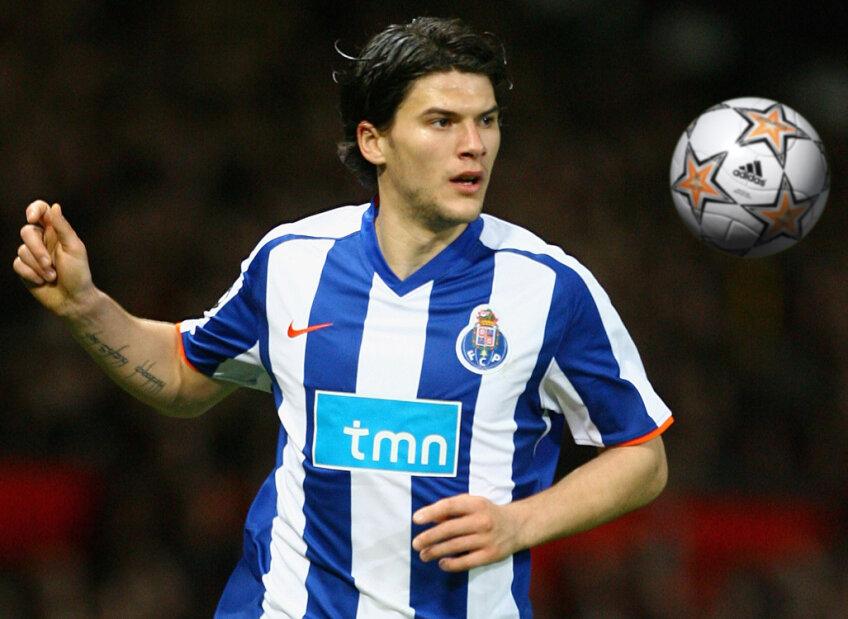 Cristian Săpunaru a fost rezervă la Porto, dar a intrat în minutul 74