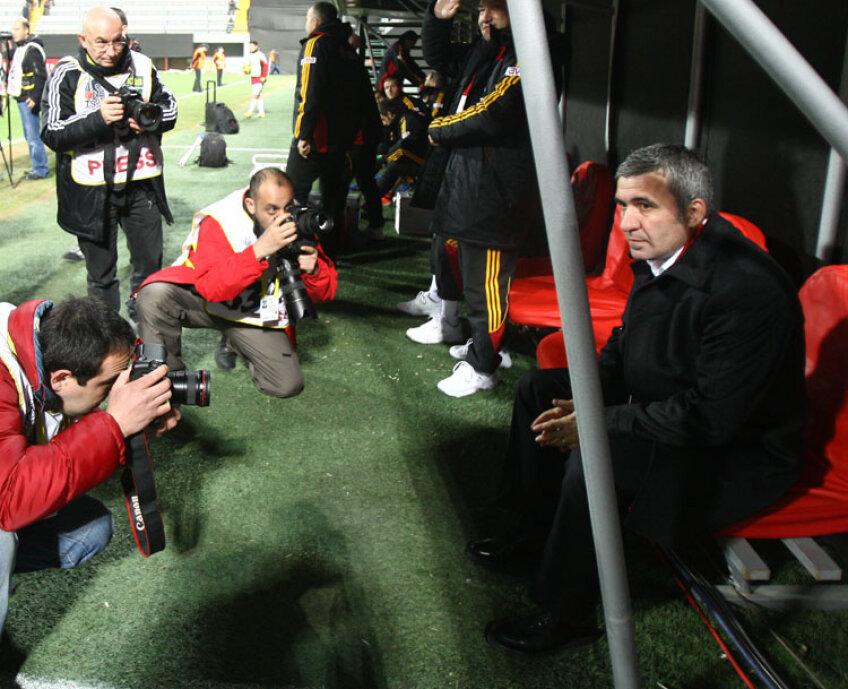 Hagi nu este într-o situaţie foarte confortabilă la Galatasaray