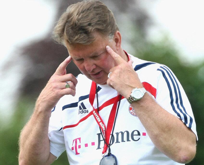 Van Gaal încearcă să pună presiune pe rivali înainte de meciul direct