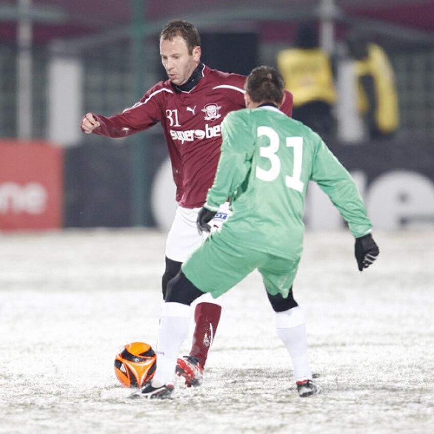 Costa a mai jucat de două ori în tur ca fundaş dreapta Foto: Cristi Preda