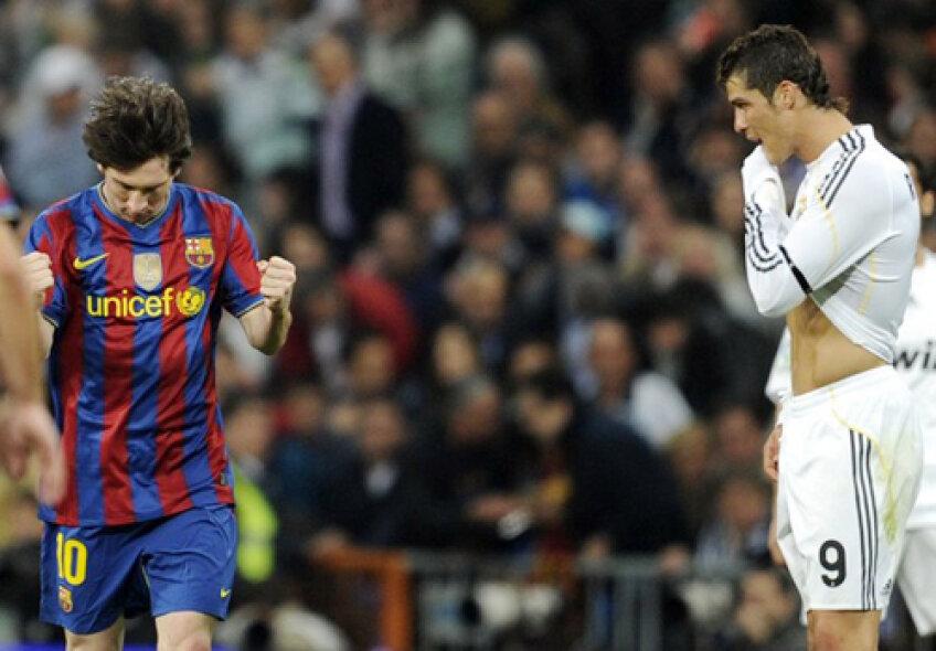Ronaldo (dreapta) mai are de tras pentru a-l egala pe Messi