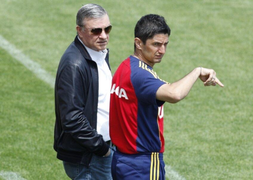 Mircea Sandu (stînga) a fost alături de Răzvan în ultimele zile, după ce în aprilie a vrut să-l demită