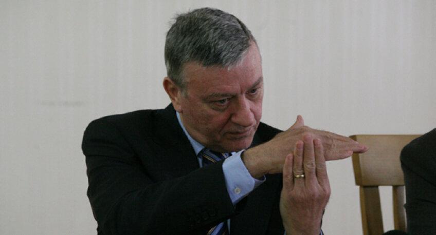 Mircea Sandu vrea ca răspunderea licenţelor să nu mai fie aruncată în cîrca Federaţiei