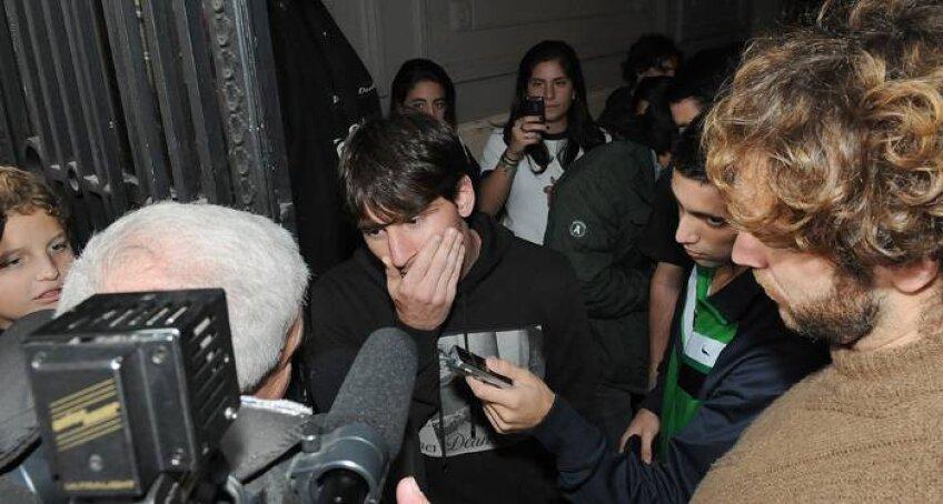 Lionel Messi a avut parte de un moment neplăcut în timp ce dădea autografe în orașul natal (sursa foto: lacapital.com.ar)