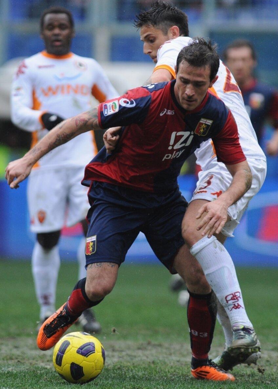 Floro Flores (stînga) a dat assisturile la primele două goluri reușite de Genoa în revenirea (4-3) contra Romei Foto: Gulliver/GettyImages
