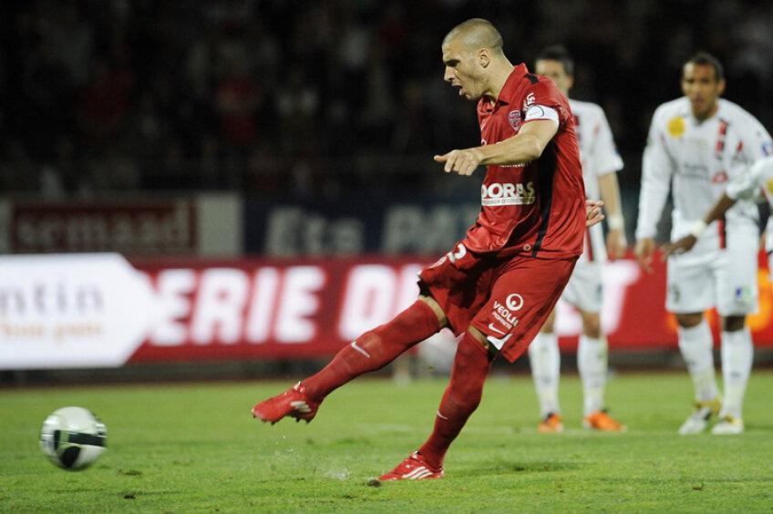 Sebastian Ribas marcînd unul din cele 24 de goluri pentru Dijon în sezonul precedent