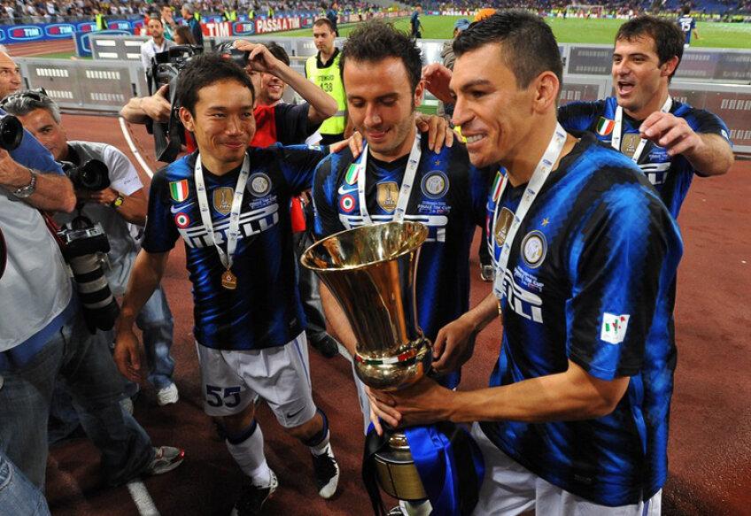 Brazilianul Lucio (dreapta) a cîştigat Cupa Italiei la ultimul meci jucat pentru Inter