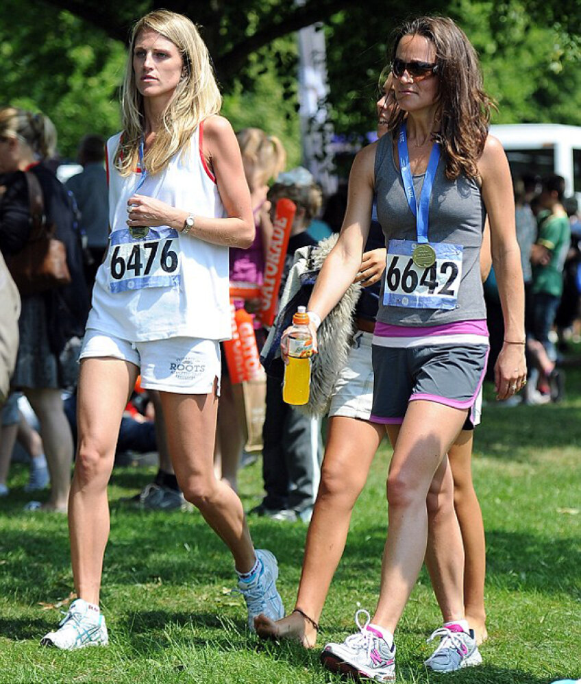 Pippa Middleton (dreapta, foto Daily Mail)