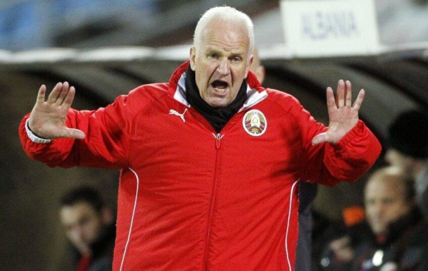 Numit în iulie 2007, Bernd Stange (63 de ani) vrea să obţină o calificare-surpriză cu Belarus
