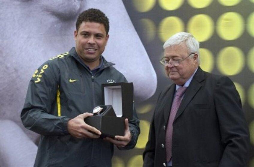 Ronaldo a primit un ceas de lux din partea principalului sponsor al naţionalei Braziliei