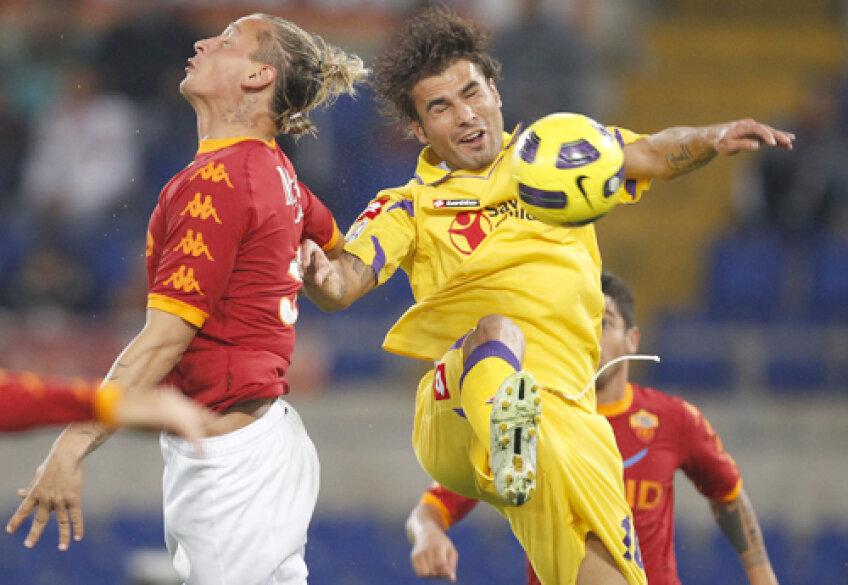 Mutu (dreapta, în duel cu Mexes) a făcut contra Romei unul dintre cele mai bune meciuri ale sezonului