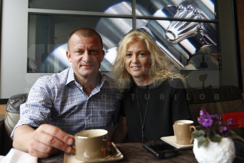 Dorinel Munteanu şi soţia sa, Simona, îşi petrec vacanţa de vară la Cannes
