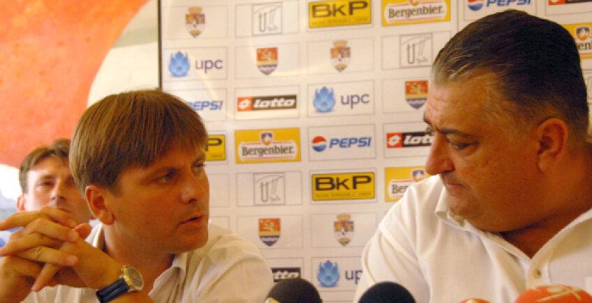 Marian Iancu, alături de Duşan Uhrin Jr. într-o conferinţă de presă